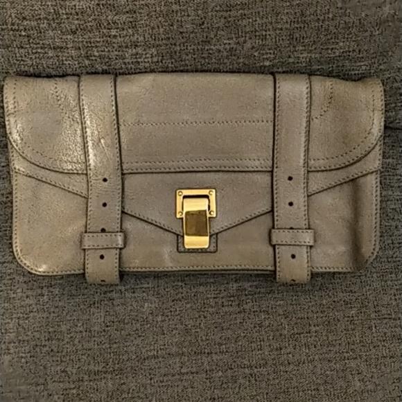 Proenza Schouler Handbags - ✨Proenza Schouler classic clutch✨